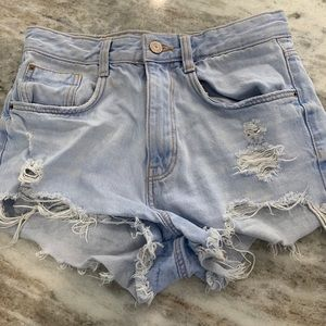 🦋Zara Distressed Shorts🦋